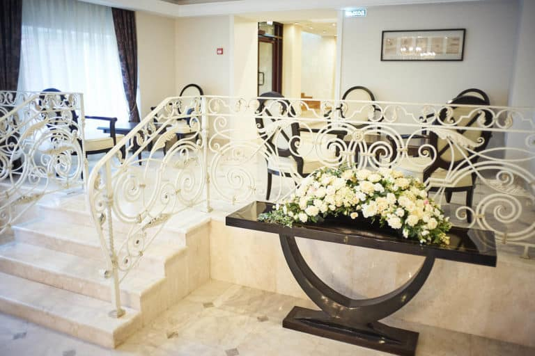 Лобби-бар отеля ГРУМАНТ Resort & SPA