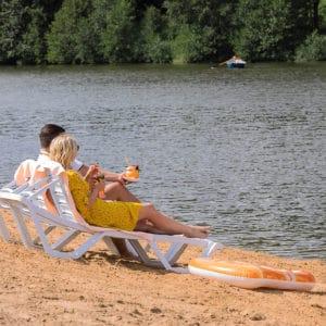 Песчаный пляж в загородном отеле ГРУМАНТ Resort&SPA, Тульская область